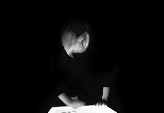Selbstportrait-Designerin-Creative-dark-selfportrait-fotografin-karlsruhe